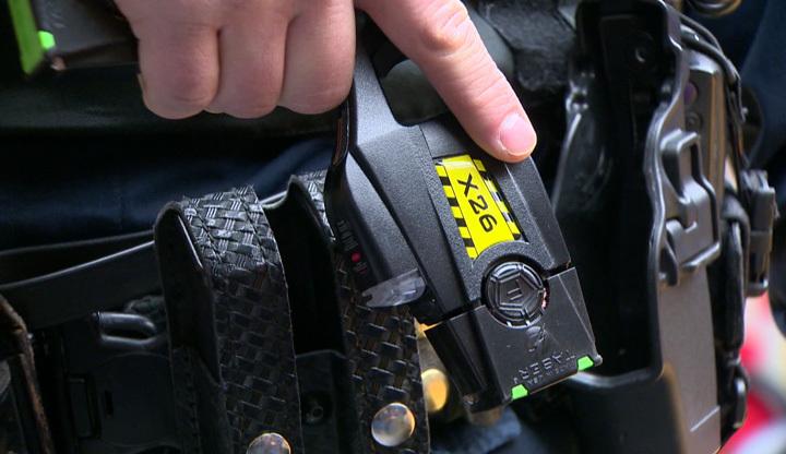 taser-gun-police-saskatoon-gn